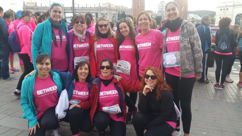 Betweeners in Barcelona support the Marea Rosa Run