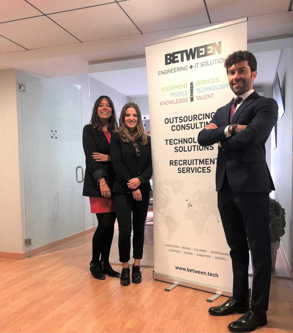 Equipo de BETWEEN en la nueva sede en Valencia