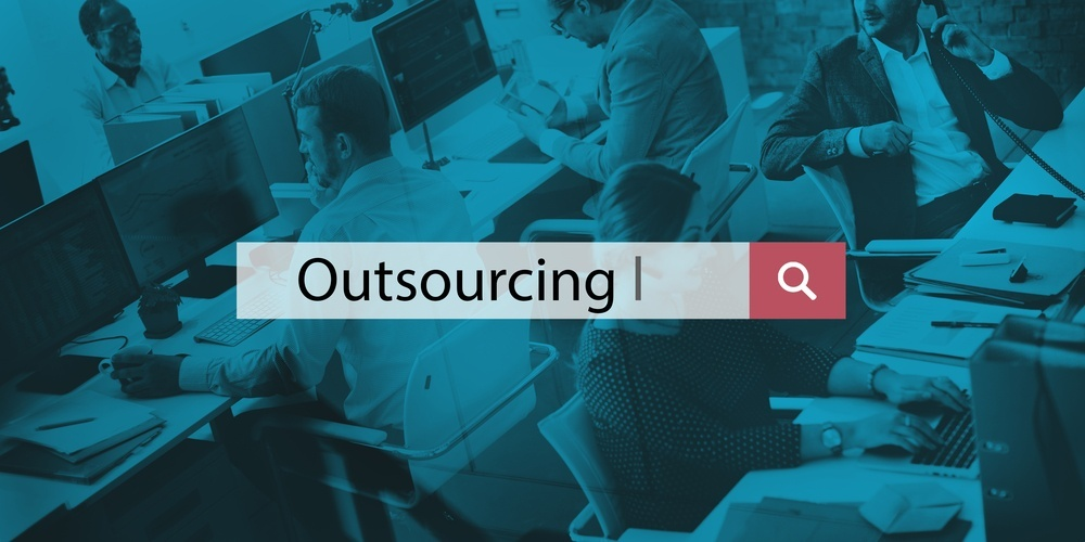 5 Advantages of Outsourcing in the Technology Sector